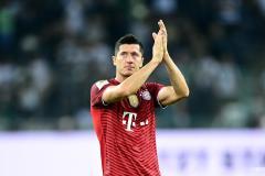 Robert Lewandowski has told Bayern Munich he wants to quit the club
