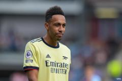 Pierre-Emerick Aubameyang playing for Arsenal in a Premier League game against Burnley in the 2021-22 season.