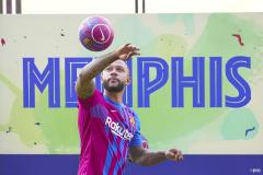 Memphis Depay at his Barcelona unveiling, July 2022