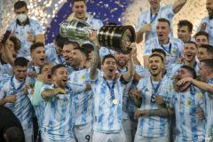Lionel Messi lifts 2021 Copa America trophy for Argentina