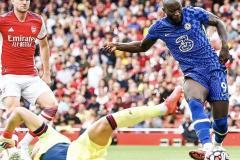 Lukaku scores v Arsenal for Chelsea, 2021-22