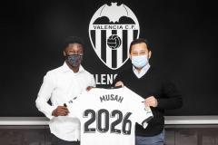 Yunus Musah signs contract extension to keep him at Valencia till 2026