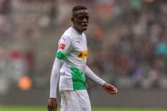 Man Utd transfer news: Gladbach boss admits club may need to sell Zakaria