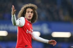 Matteo Guendouzi playing for Arsenal in the Premier League