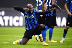 Chelsea signing Romelu Lukaku celebrates scoring against Torino for Inter