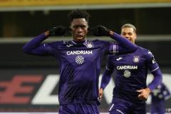 New Arsenal signing Albert Sambi Lokonga playing for Anderlecht