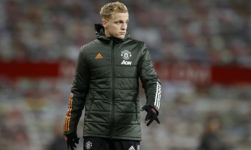 Three reasons why Donny van de Beek needs to leave Man Utd