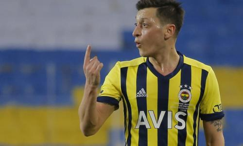 Zero goals, zero assists – Ozil's dreadful start to life at Fenerbahce