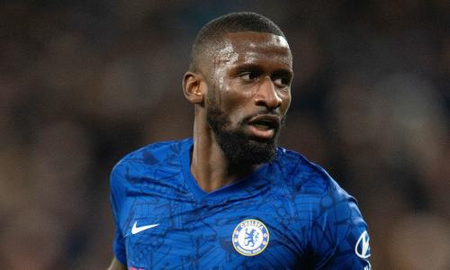 Chelsea defender puts pressure on club for new contract