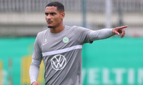 Wolfsburg defender Maxence Lacroix not interested in Chelsea rumours