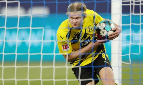Erling Haaland celebrates a goal against Schalke