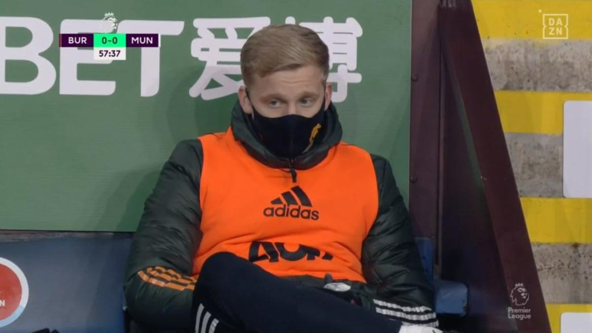 What a waste of money! Why did Man Utd sign Van de Beek if he doesn't play?