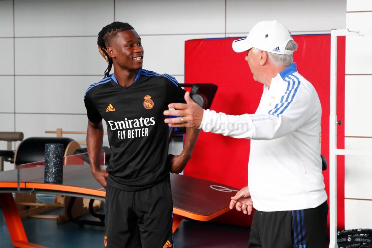 Eduardo Camavinga signs for Real Madrid