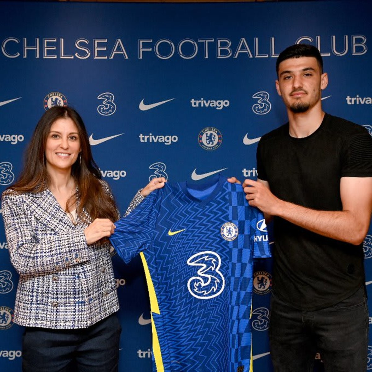 Armando Broja signs a new long-term contract with Chelsea