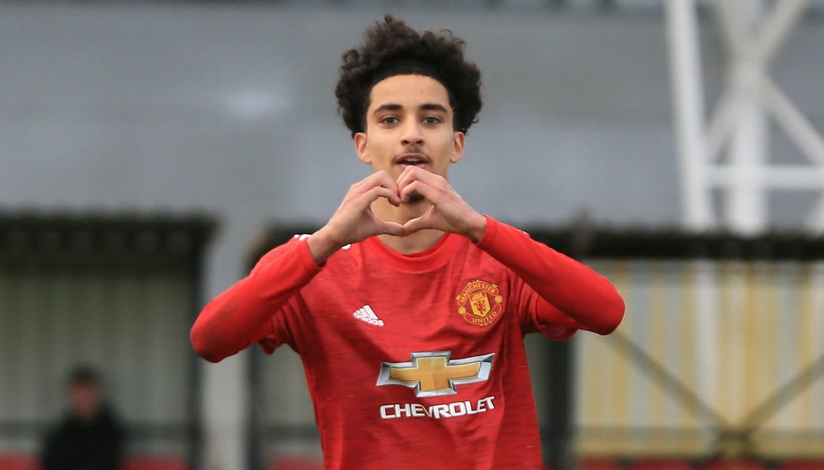 Manchester United announce latest pro deal for young talent