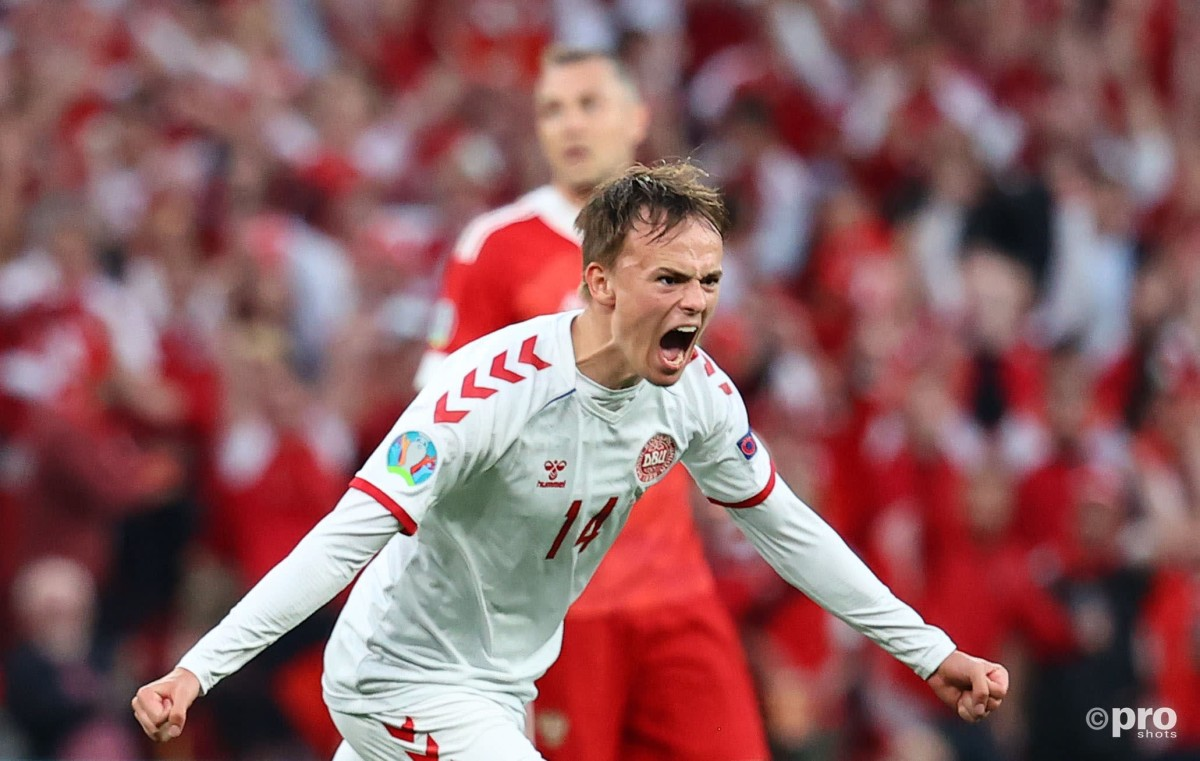 Mikel Damsgaard scores against Russia for Denmark, Euro 2020
