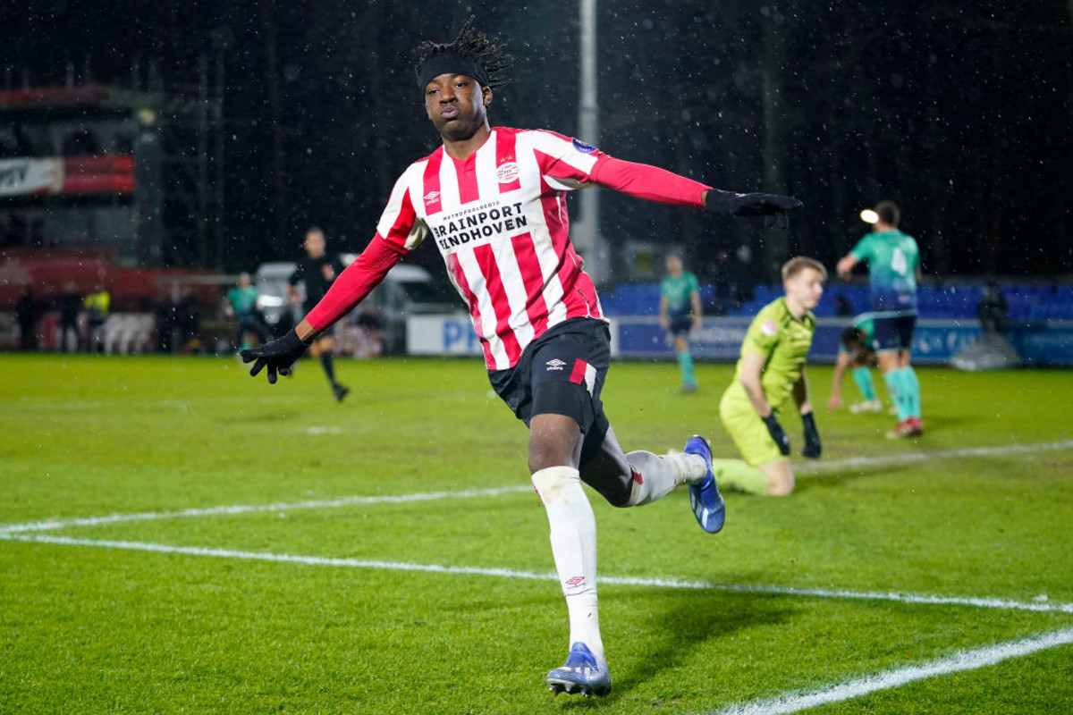 Who is Noni Madueke? The English teenager thriving in Holland and interesting AC Milan