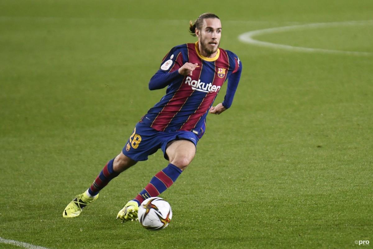 Oscar Mingueza signs new Barcelona deal until 2023