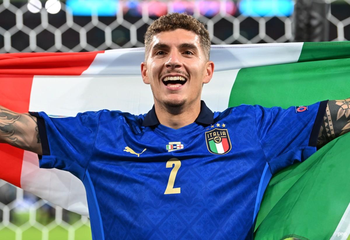 Giovanni Di Lorenzo linked with Man Utd