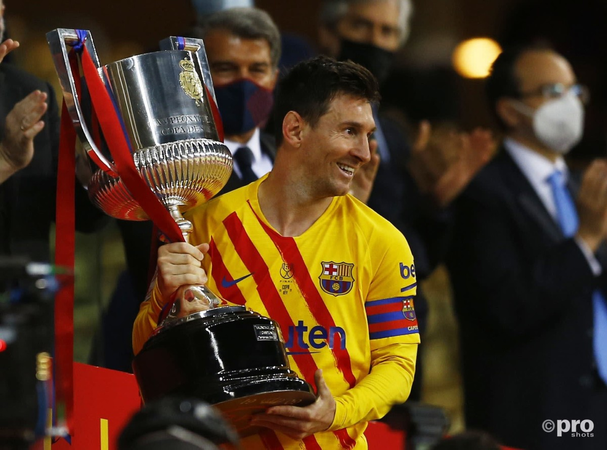 Messi's father in Barcelona to extend Leo's contract